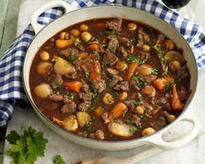 slow_braised_beef_in_red_wine