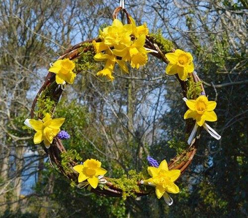 daffodil-wreath